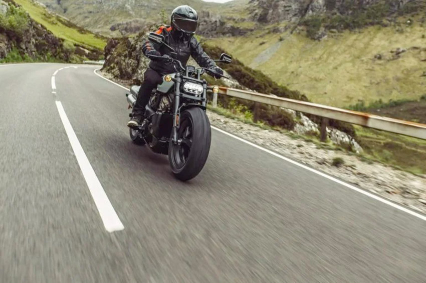 2021-Harley-Davidson-Sportster-S-1-07