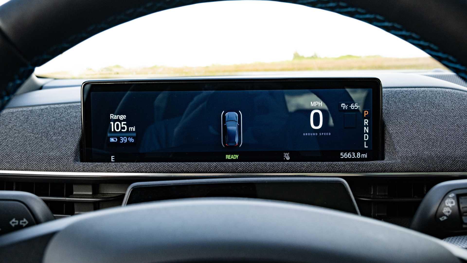 Chỉ dành cho những người mua xe điện Mach-E hoài cổ, Ford đã tạo ra một loại nước hoa có mùi xăng - 8