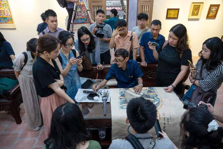 Họa sĩ Nguyễn Thế Sơn: Giúp truyền thống 'thích nghi' trong nghệ thuật đương đại - 3