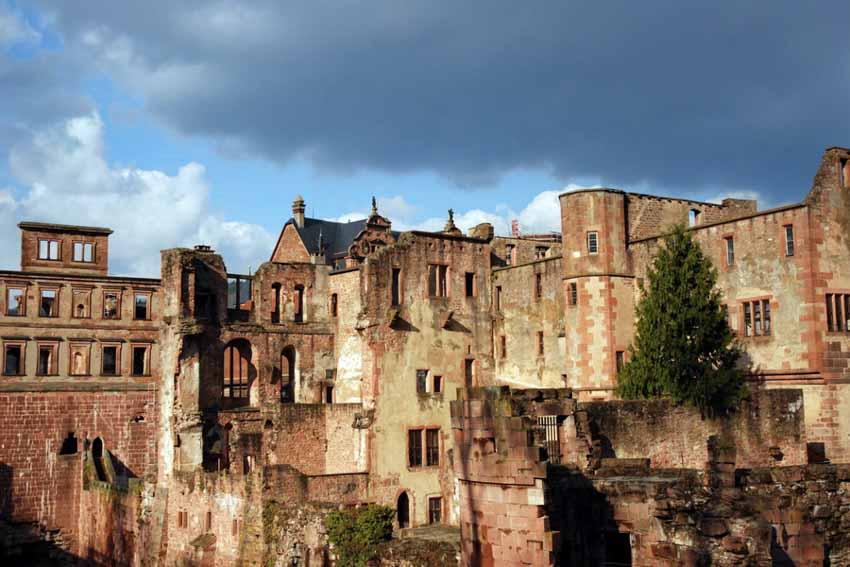 Ngỡ ngàng trước lâu đài cổ Heidelberg ở Đức - 4
