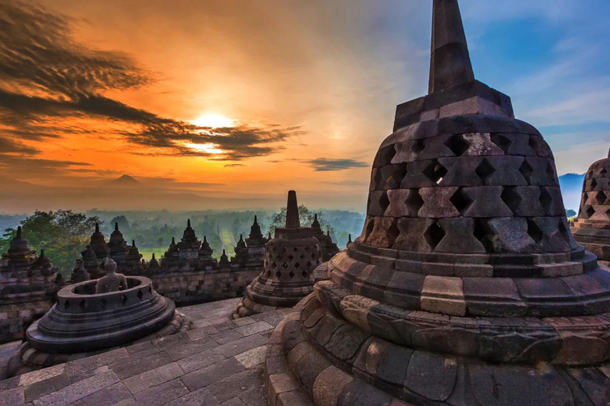 Borobudur Temple – Trung Java, Indonesia