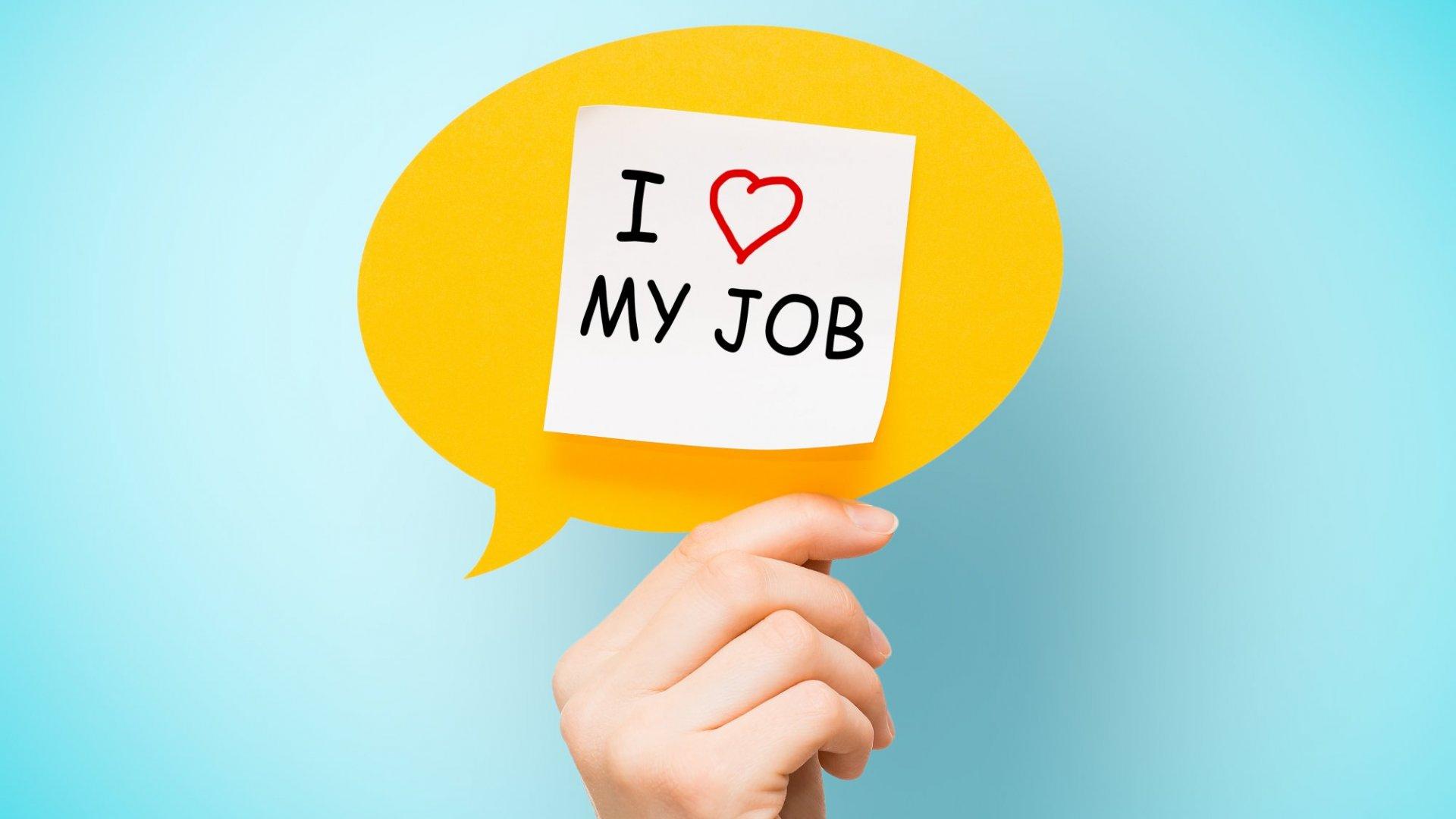 Nghiên cứu của DHL cho thấy thanh niên Việt Nam ngày càng lo lắng về khả năng tìm việc làm - 1