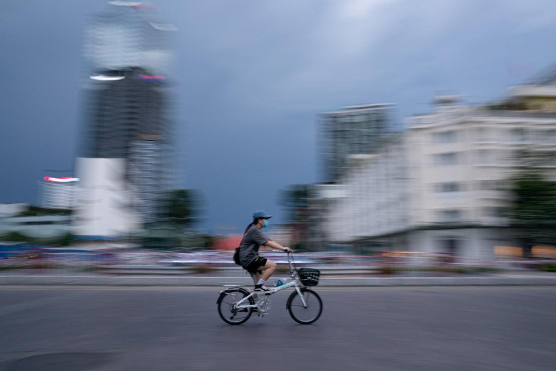 Nhiếp ảnh gia Quốc Huy nhìn lại những ngày đầu trước lệnh giãn cách ở Sài Gòn