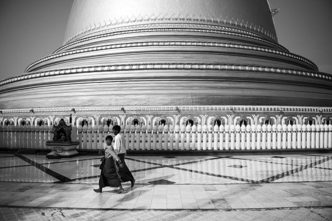 Myanmar in monochrome của nhiếp ảnh gia Patrick Hamilton - 3