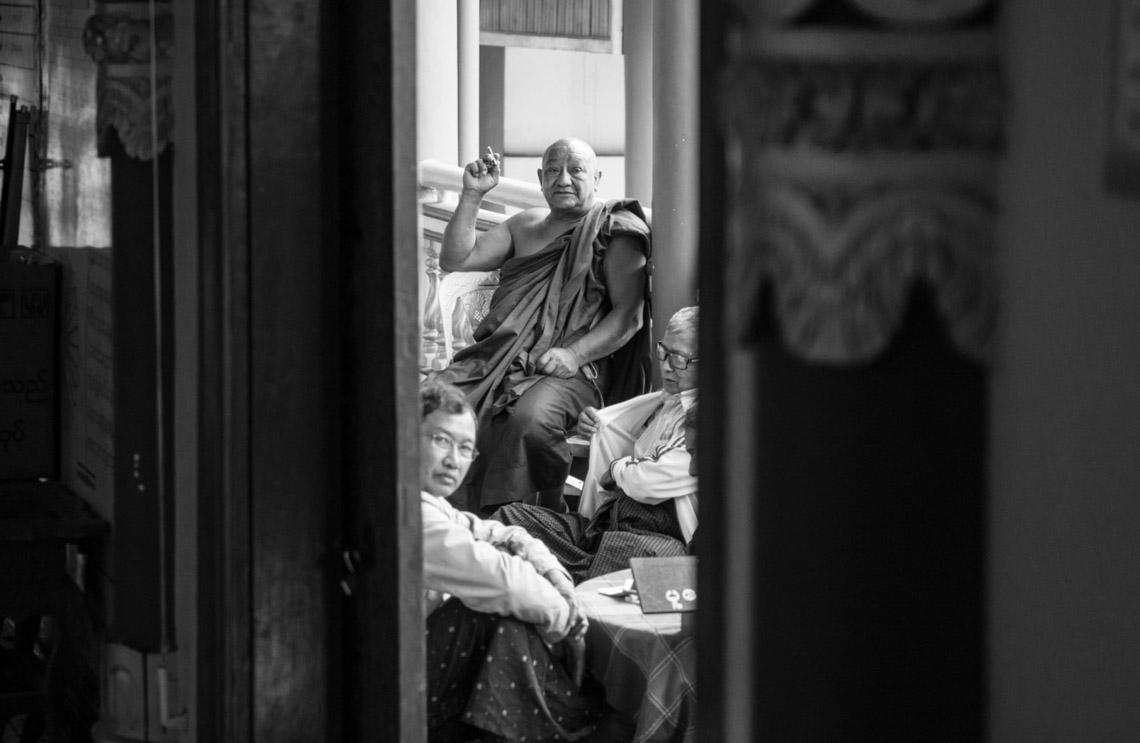 Myanmar in monochrome của nhiếp ảnh gia Patrick Hamilton - 9