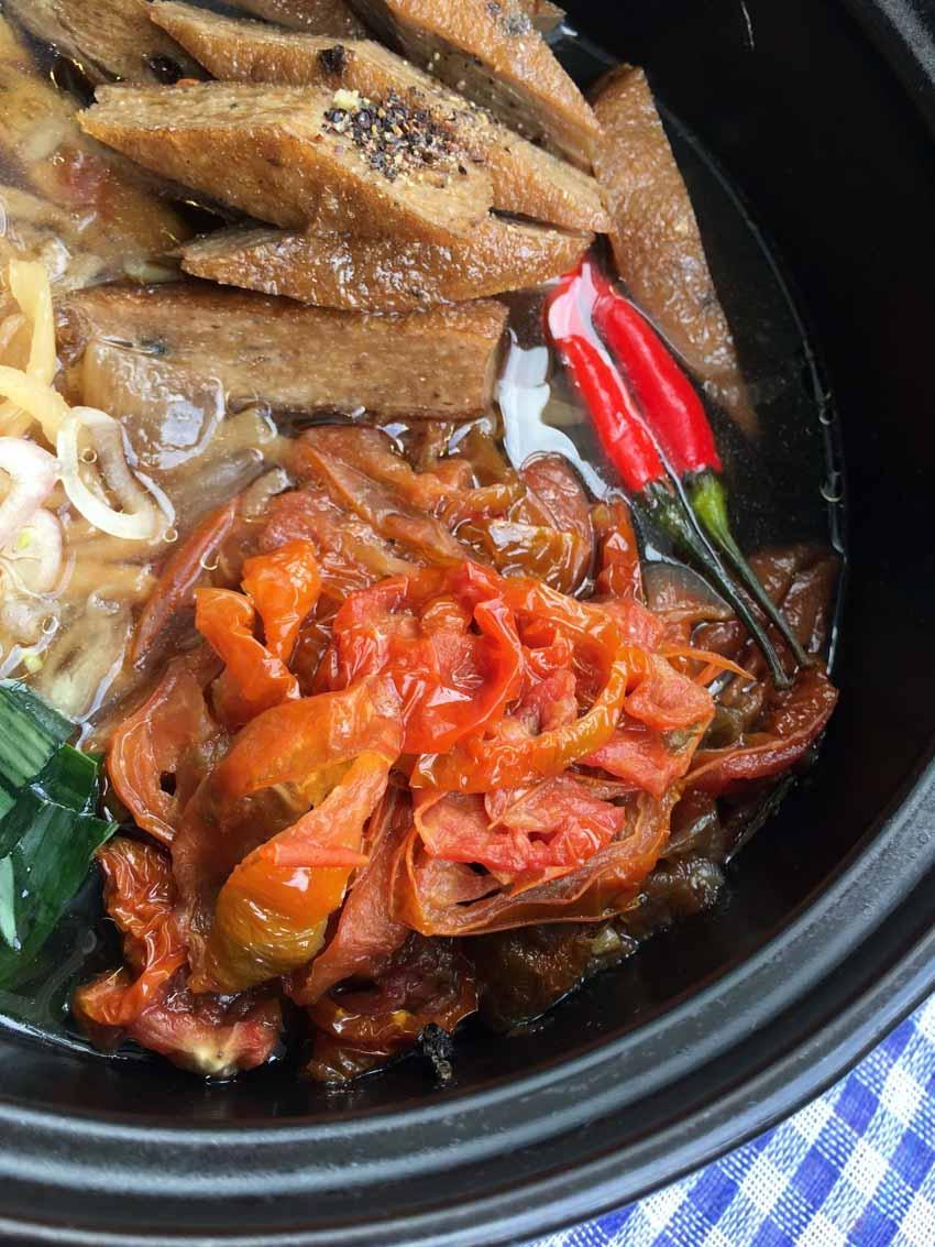 Món độc lạ: 'Pizza Việt Nam' làm từ khô... cà chua - 3