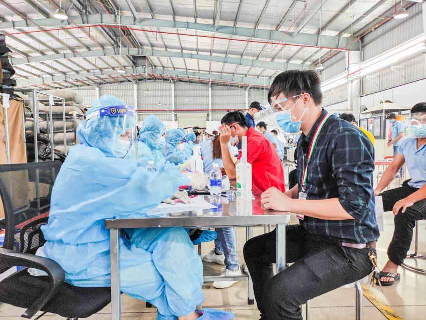 VNVC tiếp tục triển khai tiêm vắc xin Covid-19 tại các Khu công nghiệp ở Bình Dương - 1
