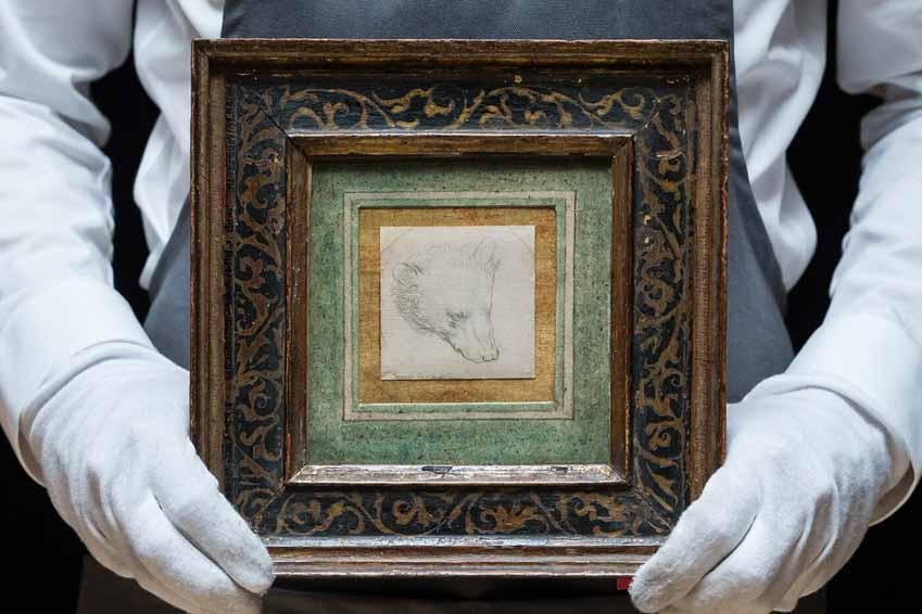 """Bức vẽ """"Đầu Gấu"""" 7x7cm của danh họa Leonardo da Vinci vừa được bán với mức giá kỷ lục 12,2 triệu USD - 3"""
