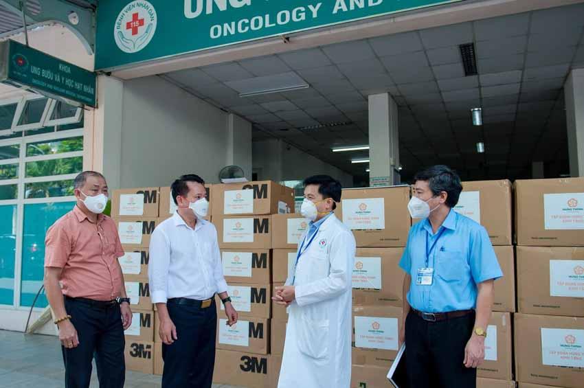Tập đoàn Hưng Thịnh hỗ trợ trang thiết bị y tế với kinh phí gần 2 tỉ đồng cho Bệnh viện Nhân dân 115 và Gia Định - 2