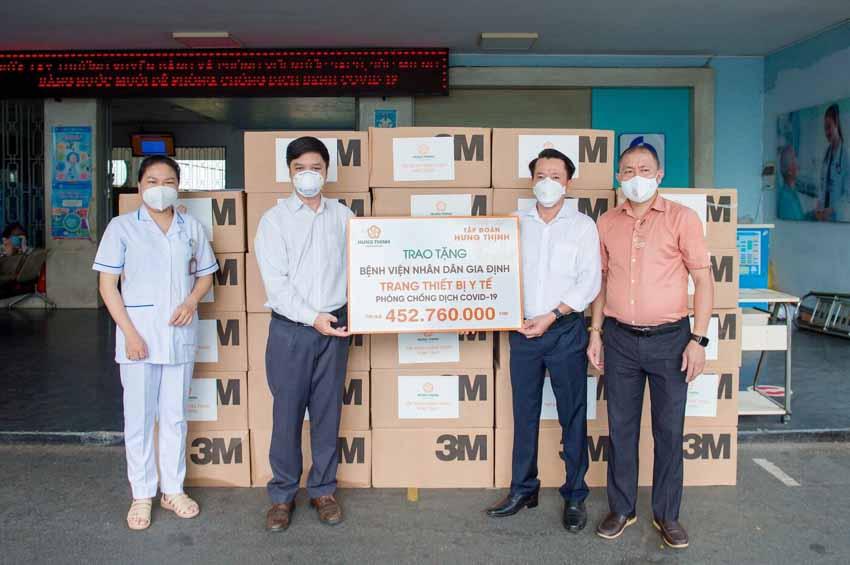 Tập đoàn Hưng Thịnh hỗ trợ trang thiết bị y tế với kinh phí gần 2 tỉ đồng cho Bệnh viện Nhân dân 115 và Gia Định - 3