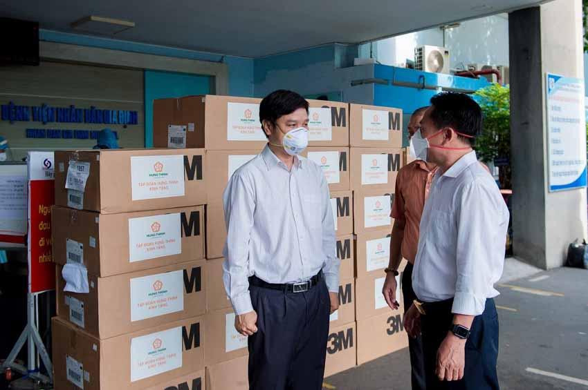 Tập đoàn Hưng Thịnh hỗ trợ trang thiết bị y tế với kinh phí gần 2 tỉ đồng cho Bệnh viện Nhân dân 115 và Gia Định - 4